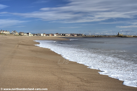 View along the beach at Newbiggin Bay.